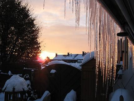 Eiszapfen an Wintersonne 1